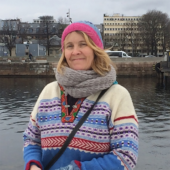 Bokbad: «I Svartvika sto døran bestandig oppe»