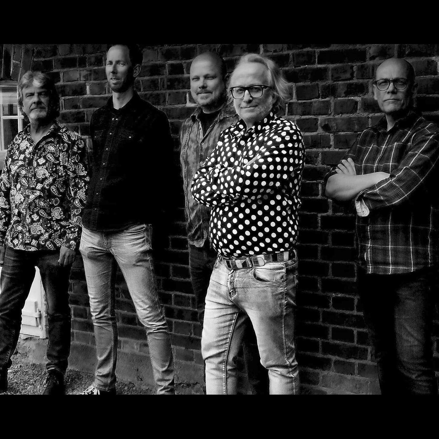 Røros Litteraturlag: Bokbad + konsert med Levi Henriksen & The Babylon Badlands
